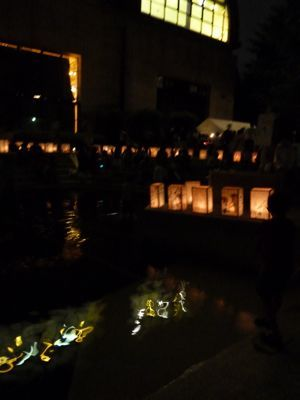 水辺の灯籠.jpg