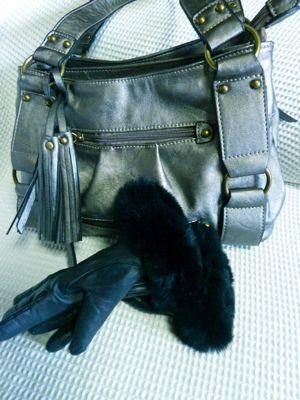 鞄と手袋.jpg